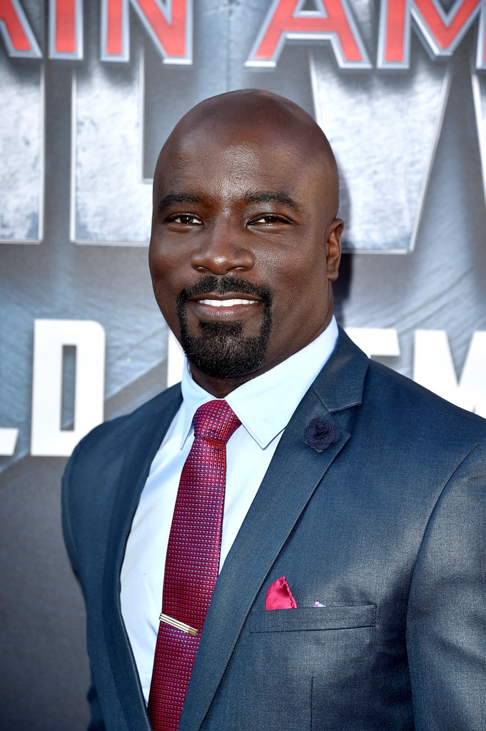 http://www2.pictures.zimbio.com/gi/Mike+Colter+Premiere+Marvel+Captain+America+A1IMbPg1F9Ex.jpg