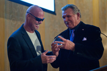 Mike Ditka The Christopher & Dana Reeve Foundation Hosts 'A Magical Evening Chicago' - Inside