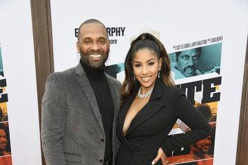 Mike Epps L.A. Premiere Of Netflix's 'Dolemite Is My Name' - Red Carpet