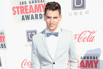 Mike Tompkins 3rd Annual Streamy Awards - Arrivals