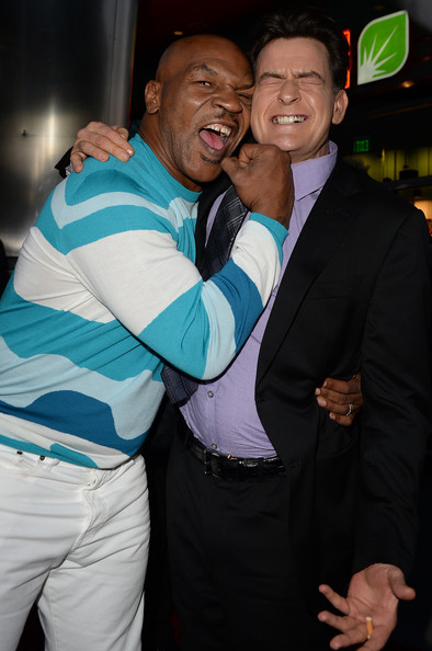 Mike Tyson Charlie Sheen Mike Tyson Photos Arrivals At The Scary Movie 5 Premiere 2 Zimbio