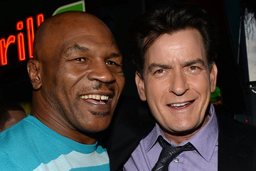 Mike Tyson Charlie Sheen Arrivals at the 'Scary Movie 5' Premiere