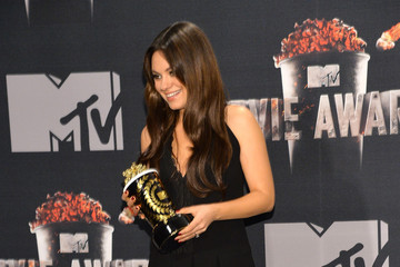 Mila Kunis Press Room at the MTV Movie Awards — Part 2
