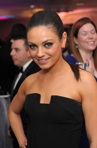 http://www2.pictures.zimbio.com/gi/Mila+Kunis+TIME+CNN+People+Fortune+White+House+_Xf4jrgs5Ikl.jpg
