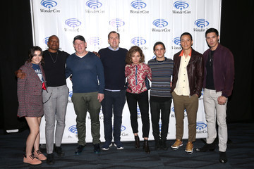 Miles Millar Alfred Gough Wondercon Into The Badlands Screening And Panel