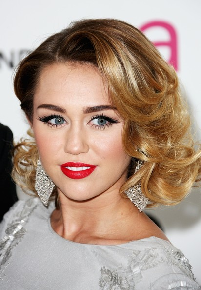 صور ميالي سايروس Miley%20Cyrus%20Annual%20Elton%20John%20Oscar%20Viewing%20PqvQKhX3dMel
