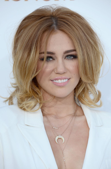 Miley Cyrus - 2012 Billboard Music Awards - Arrivals