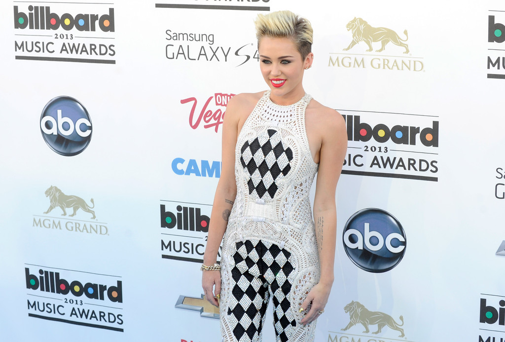 Miley Cyrus - 2013 Billboard Music Awards - Arrivals