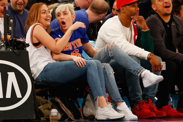 Miley Cyrus Cleveland Cavaliers v New York Knicks