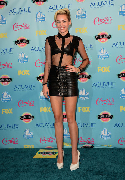 Miley Cyrus - Teen Choice Awards 2013 - Press Room