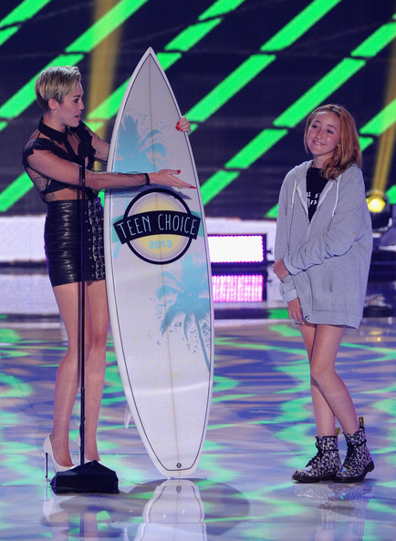Miley Cyrus - Teen Choice Awards 2013 - Show
