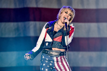 Miley Cyrus Entertainment  Pictures of the Month - December 2020