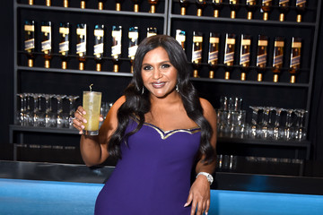Mindy Kaling Johnnie Walker Celebrates The Vanity Fair Oscar Party At The Wallis Annenberg Center