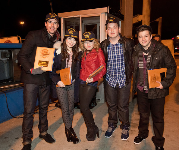miranda cosgrove and nathan kress 2015. miranda cosgrove and nathan kress photos»photostream · pictures icarly visits the naval submarine base new london in groton, connecticut 2015 e