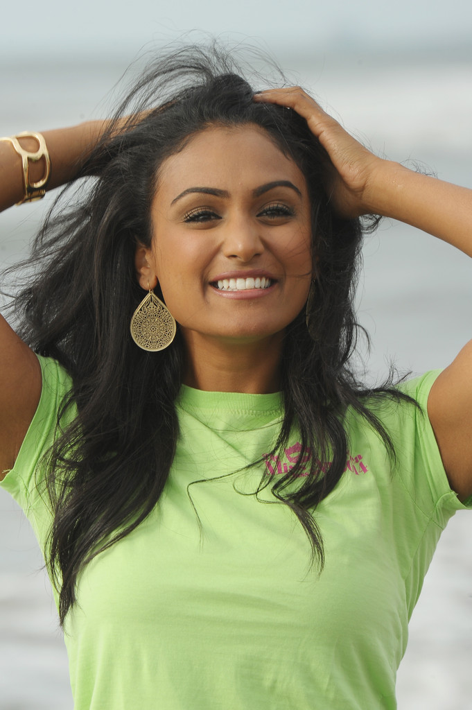 a new miss america nina davuluri Miss new york nina davuluri is now miss america, and she has a few makeup tricks to help her stay cool in the heated competition (michael loccisano/getty images.
