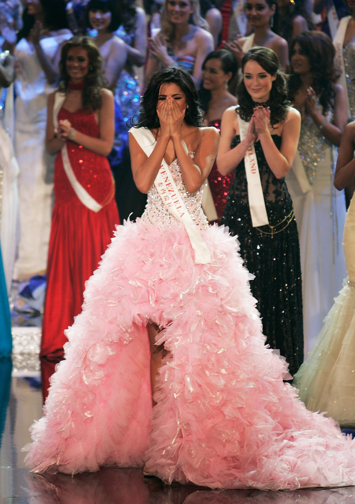 ivian sarcos, miss world 2011. - Página 2 Miss+World+Final+2011+u4QgTt0Aud1x