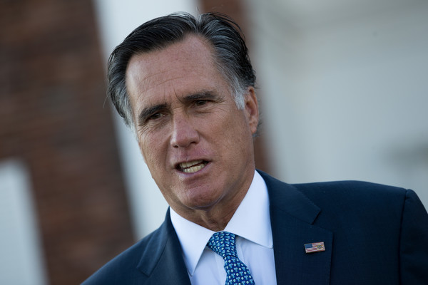 http://www2.pictures.zimbio.com/gi/Mitt+Romney+Donald+Trump+Holds+Weekend+Meetings+9AeLZceT8yhl.jpg