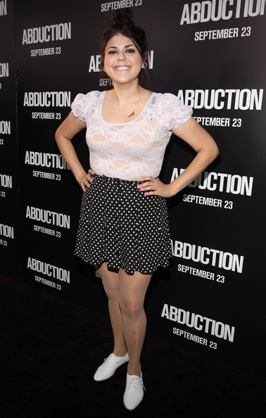 molly tarlov photos photos premiere of lionsgate films abduction