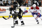 Sidney Crosby #87 of the Pittsburgh Penguins handles the puck against Andrei Markov #79 of the Montreal Canadiens during the game at Consol Energy Center on January 22, 2014 in Pittsburgh, Pennsylvania.