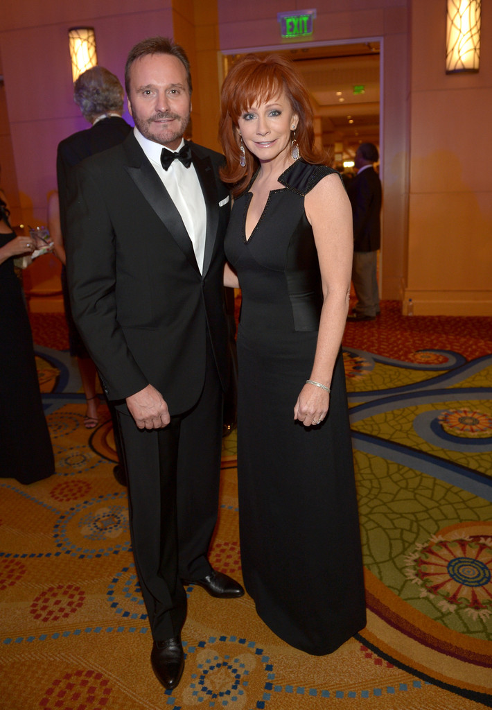Reba mcentire and narvel blackstock photos photos for Who is reba mcentire married to now