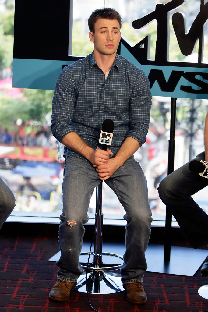 Chris Evans Photos Photos - MySpace And MTV Tower During ...