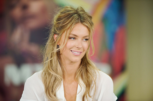 Australian Supermodel Jennifer Hawkins Poses Nude and Unretouched for 'Marie ...