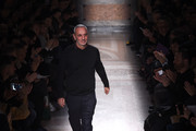 Fashion designer Alessandro Dell'Acqua acknowledges the applause of the audience afterthe the N 21 Show as a part of Milan Menswear Fashion Week Fall Winter 2015/2016 on January 18, 2015 in Milan, Italy.