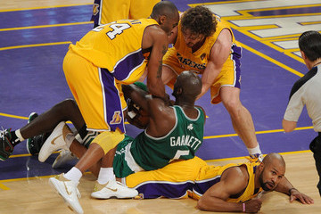 Kobe Bryant Derek Fisher NBA Finals Game 6:  Boston Celtics v Los Angeles Lakers