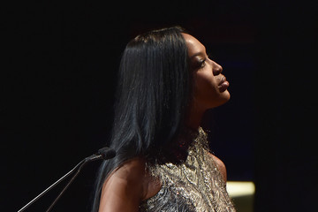 Naomi Campbell Celebrities Attend the 2015 Fragrance Foundation Awards