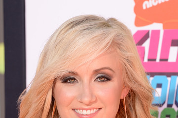 Nastia Liukin Arrivals at the Nickelodeon Kids' Choice Sports Awards