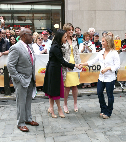 """P&G """"Thank you, Mom"""" Gift Announcement [nbc today show,people,event,fashion,crowd,tourism,photography,city,mom,natalie morales,shawn johnson,al roker,ann curry,gift,l-r,p g,gift announcement]"""