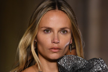 Natasha Poly Isabel Marant : Runway - Paris Fashion Week - Womenswear Spring Summer 2021