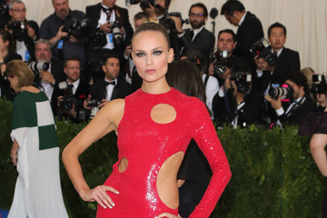 """Natasha Poly """"Rei Kawakubo/Comme des Garcons: Art of the In-Between"""" Costume Institute Gala - Arrivals"""