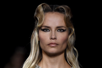 Natasha Poly Miu Miu : Runway - Paris Fashion Week Womenswear Fall/Winter 2020/2021