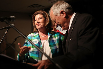 Nathan Deal GOP GA Congressional Candidate Karen Handel Campaigns One Day Before Election