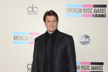 Nathan Fillion Arrivals at the American Music Awards — Part 2