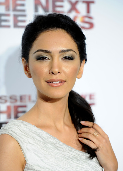 Nazanin Boniadi Actress Nazanin Boniadi arrives at  quot The Next Three    Nazanin Boniadi Teeth