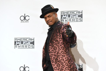 Ne-Yo American Music Awards Press Room — Part 2