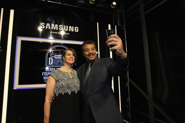 Neil Degrasse Tyson Alice Young Neil Degrasse Tyson And Alice Young Photos Samsung Celebrates The Premiere Of Zoolander 2 Zimbio