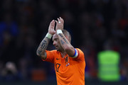Wesley Sneijder of the Netherlands acknowledges the fans as he walks off after playing his last ever game for The Netherlands during the International Friendly match between Netherlands and Peru at Johan Cruyff Arena on September 6, 2018 in Amsterdam, Netherlands.