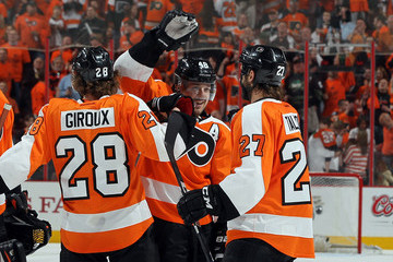 Claude Giroux Danny Briere New Jersey Devils v Philadelphia Flyers - Game One