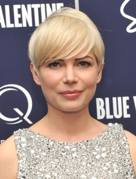 "Michelle Williams attends the New York premiere of ""Blue Valentine"" hosted by Quintessentially at The Museum of Modern Art on December 7, 2010 in New York City."