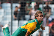 Imran Tahir of South Africa bowling during 2011 ICC World Cup Quarter-Final match between New Zealand and South Africa at Shere-e-Bangla National Stadium on March 25, 2011 in Dhaka, Bangladesh.