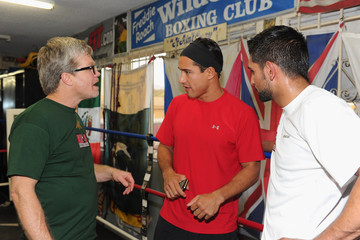 Mario Lopez Nick Cannon Visits Amir Khan At The Wild Card Gym In Hollywood