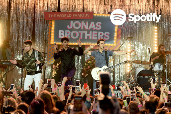 Spotify Hosts A Carnival Of Happiness For The Jonas Brothers And Their Top Listeners To Celebrate The Launch Of Their New Album Happiness Begins