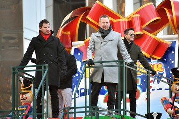 Nick Lachey Justin Jeffre 91st Annual Macy's Thanksgiving Day Parade