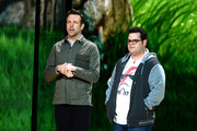 Actors Jason Sudeikis (L) and Josh Gad speak onstage during Nickelodeon's 2016 Kids' Choice Awards at The Forum on March 12, 2016 in Inglewood, California.