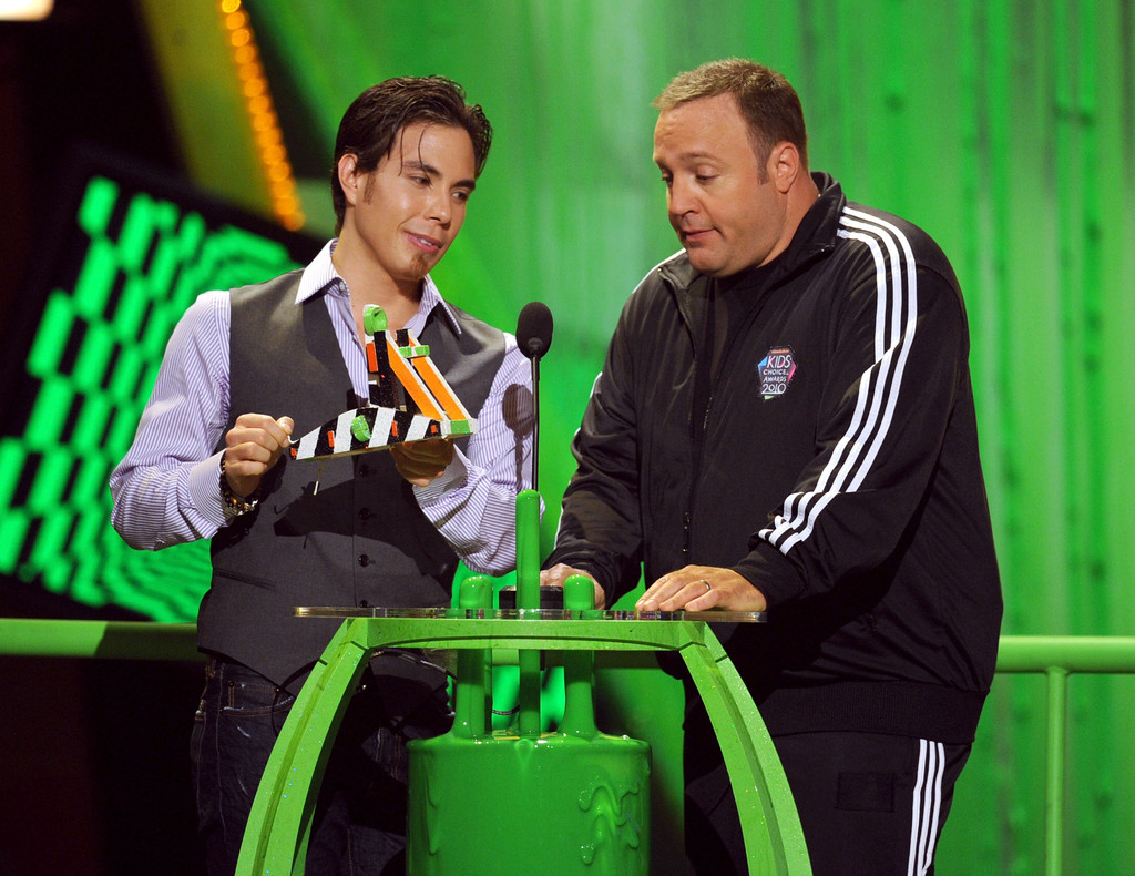 Nickelodeon 39 s 23rd annual kids 39 choice awards show zimbio for How many kids does kevin james have