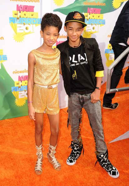 Singer Willow Smith (L) and actor Jaden Smith arrive at Nickelodeon's 24th Annual Kids' Choice Awards at Galen Center on April 2, 2011 in Los Angeles, California.