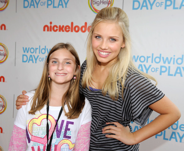Gracie Dzienny (R) celebrates Nickelodeon's largest ever Worldwide Day of Play at the Ellipse on September 24, 2011 in Washington, DC.